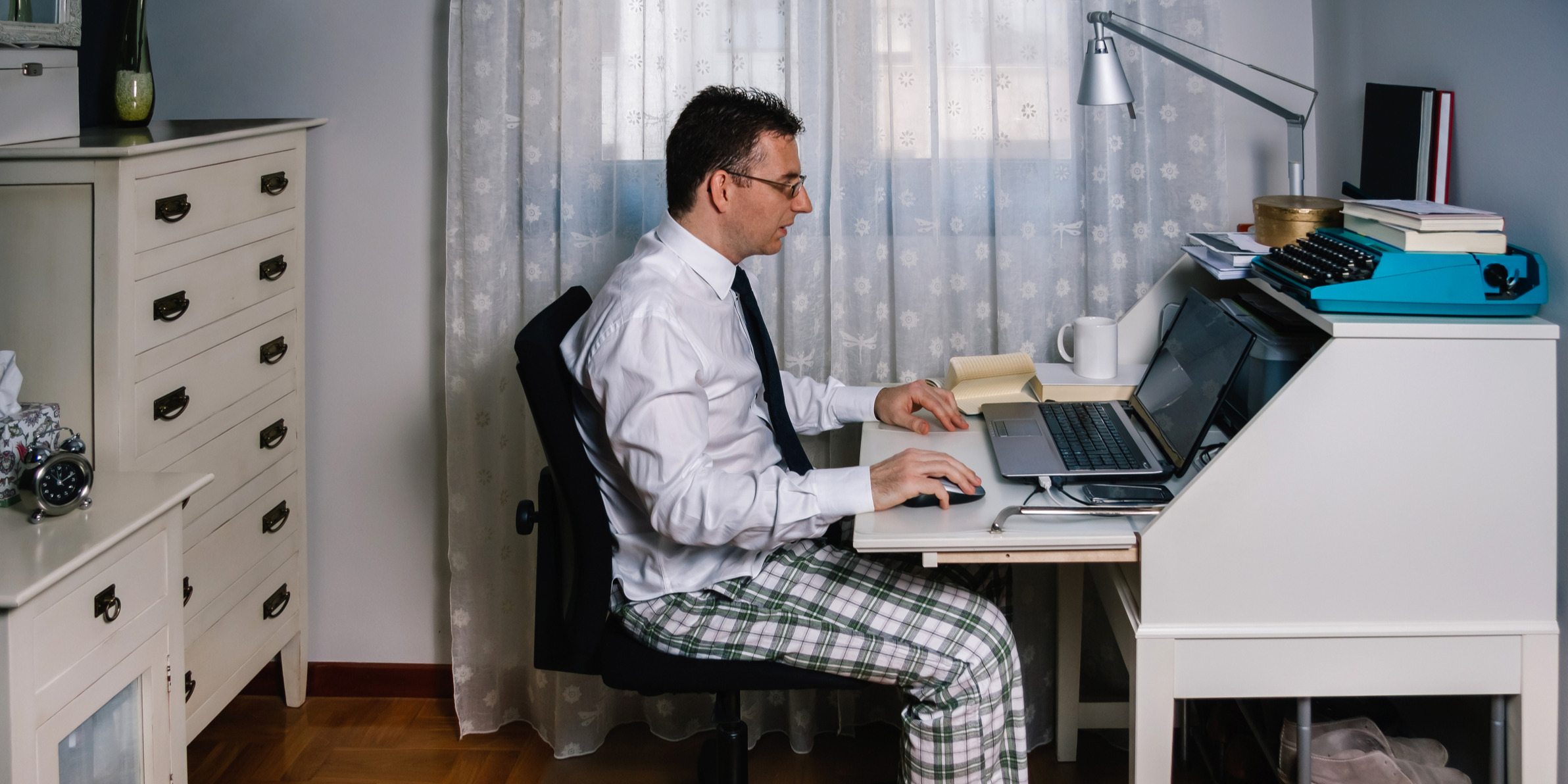 10 GIFs That Sum Up Working From Home in Sales