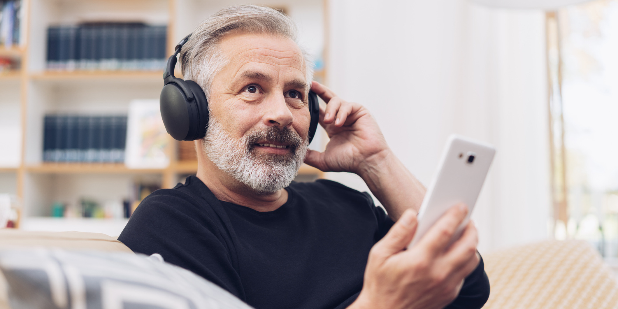 5 Sales Podcasts That Motivate Sales Teams