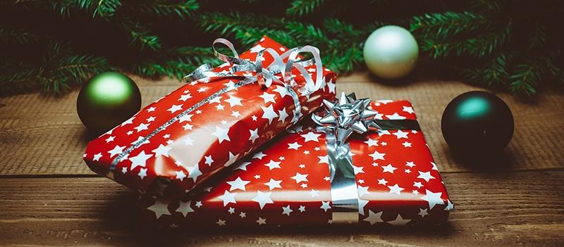 Holiday_Gifts.jpg