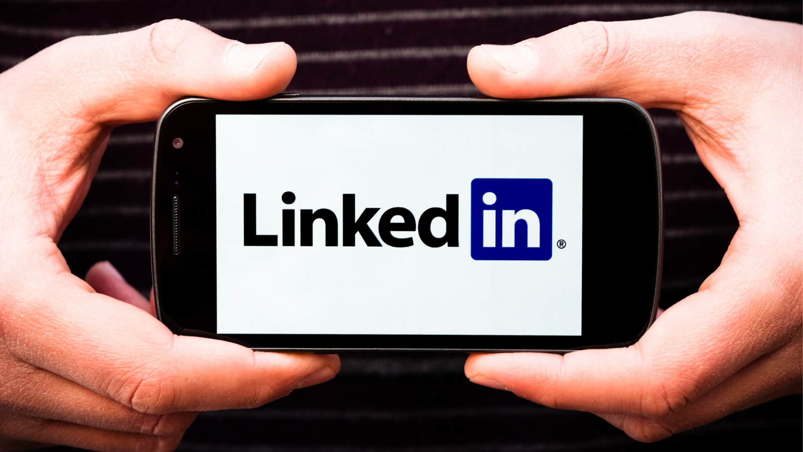 How to Sell Through LinkedIn (Your Complete Guide)