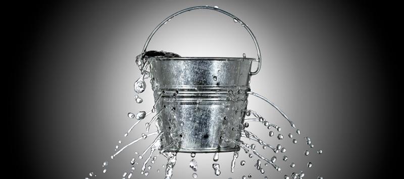 Leaky_bucket.jpg