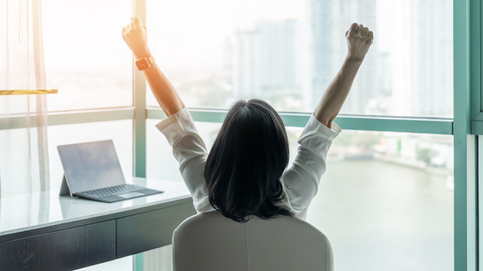 Weekly Roundup: Women in Sales, Beating the Competition + More