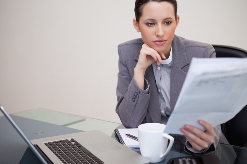 business-woman-reading