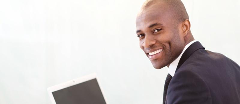salesperson_at_laptop.jpg
