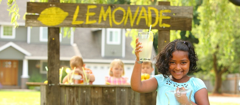 Lemonade_Stand_Teaches_about_Sales
