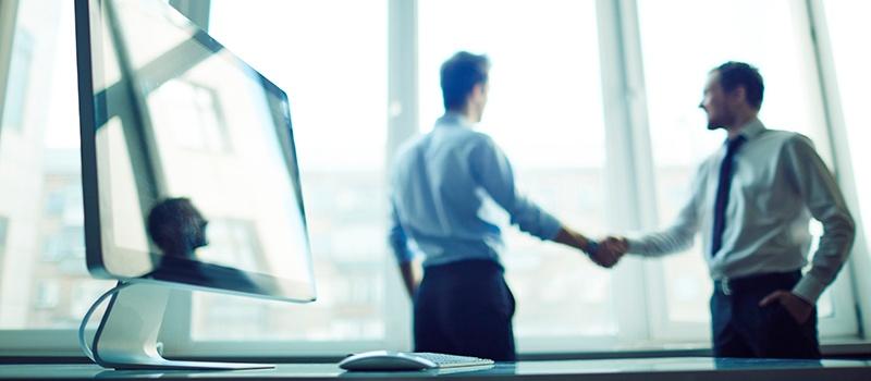 Salespeople_shaking_hands